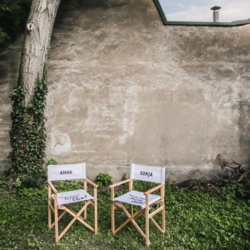 Regiestühle mit dem Logo von DieRoeckl (c) Lupi Spuma