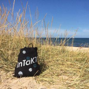 Tasche von InTaKT Festival im Sand am Meer
